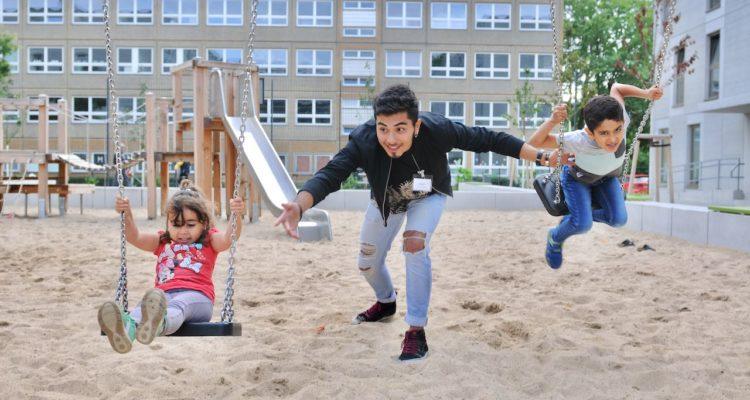 PULS_Herzaktion_Fluechtlingsunterkunft Kinderbetreuung 172.