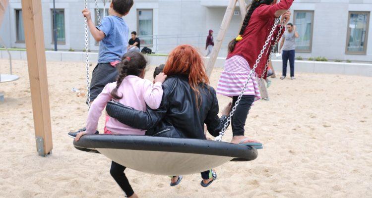 PULS_Herzaktion_Fluechtlingsunterkunft Kinderbetreuung 242.